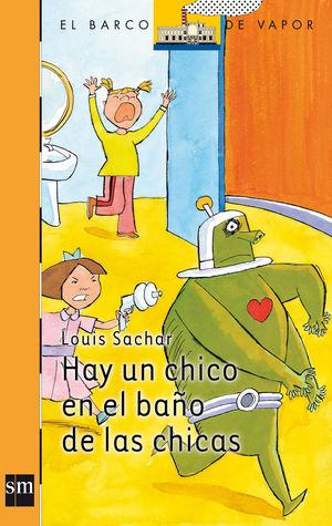 HAY UN CHICO EN EL BAÑO DE LAS CHICAS